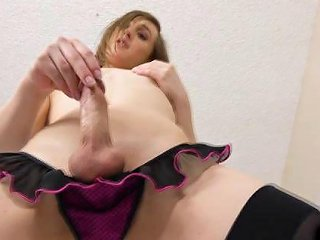 Teen Trap Talks Dirty And Cums