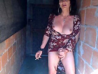Dirty Old Tranny Wanking In The Alley